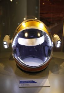 billy-cessford-helmet-from-the-martian